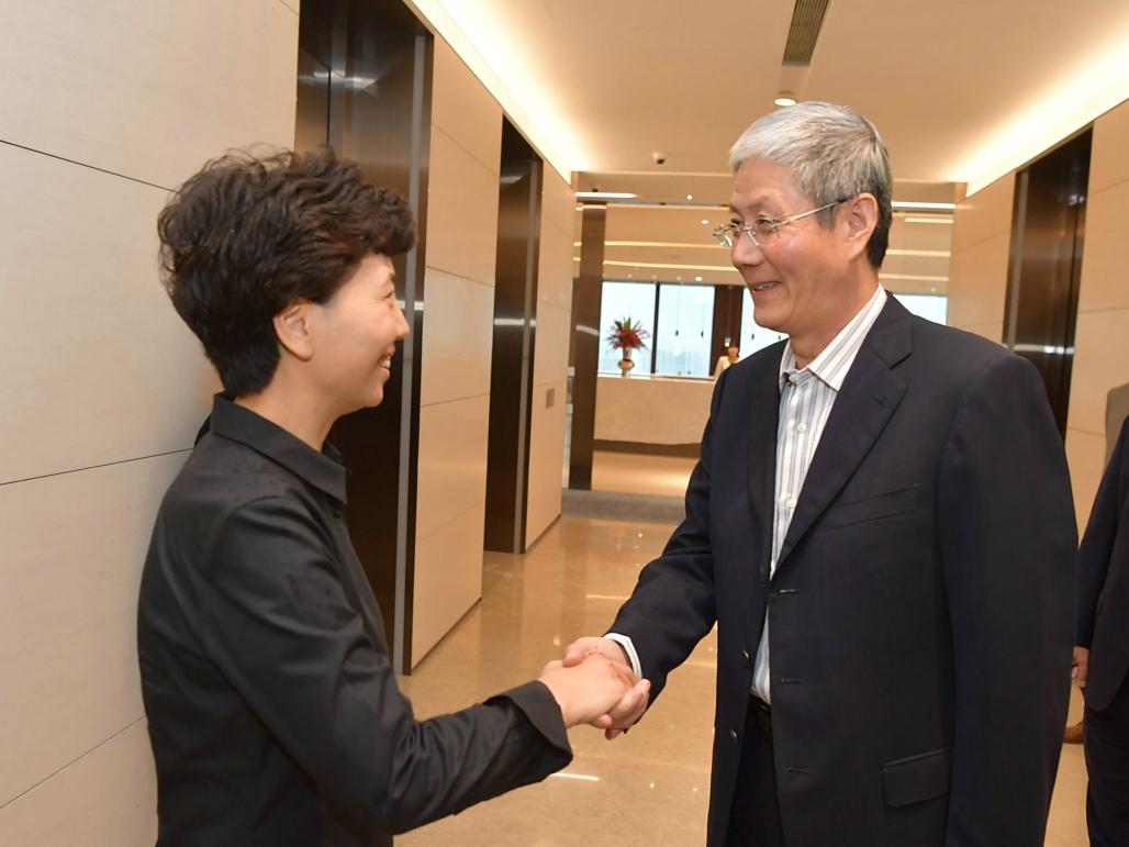 傅育宁董事长会见贵州省谌贻琴省长